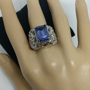 Jewelry - 🌸 Gorgeous light amethyst large stone Ring💜 SALE